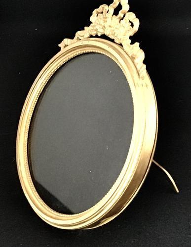 Victorian Gilt Brass  Circular Easel Photo Frame. (1 of 4)