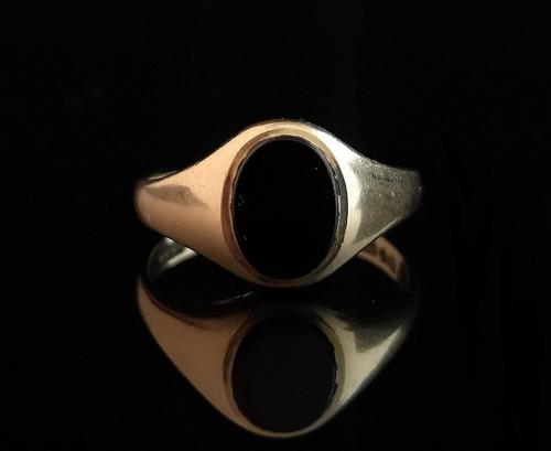 Vintage Onyx signet ring, 9ct gold (1 of 13)