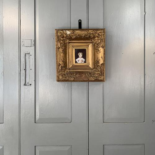 Antique Victorian portrait in oil of a young girl child in ornate gesso frame 2 of 2 (1 of 10)