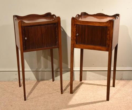 Matched Pair of Mahogany Bedside Cabinets / Tables (1 of 9)