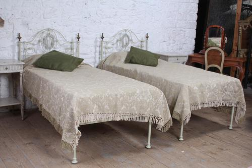 Pretty Pair of Single Victorian Beds (1 of 10)