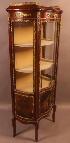 Good Quality French Serpentine Front Display Cabinet (1 of 11)