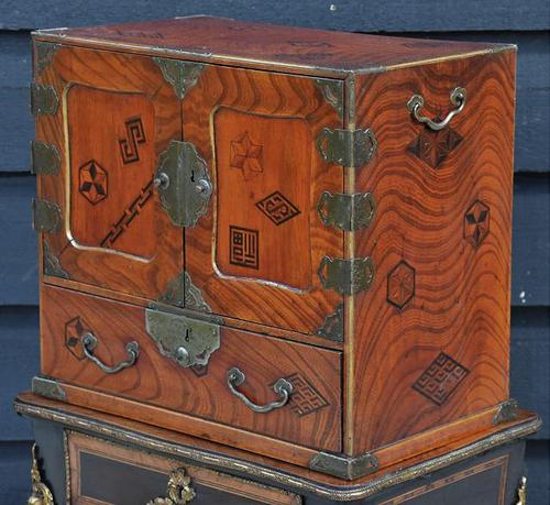 Excellent 19th Century Japanese Oriental Elm Jewellery Box / Table Cabinet (1 of 11)