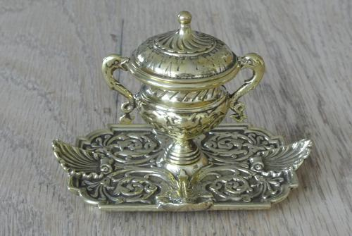 Fine Quality Brass 'Marine' Influenced Inkwell by William Tonks & Sons Registered Diamond Mark for 19th January 1881 (1 of 7)
