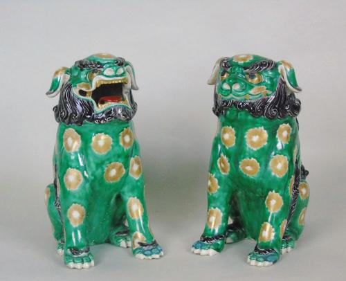Superb Pair of 19th Century Chinese Porcelain Dogs of Fo Temple Guardians (1 of 12)