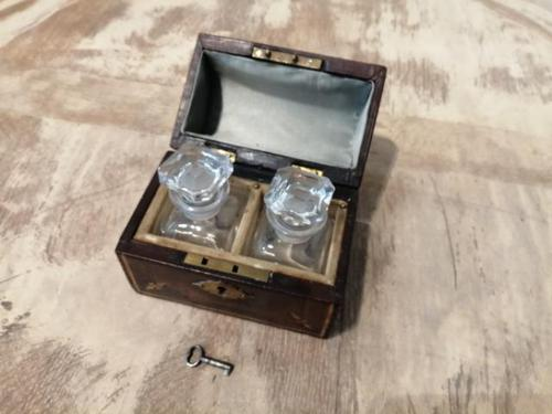 Miniature Leather Trunk Containing a Pair of Clear Glass Scent Bottles (1 of 5)
