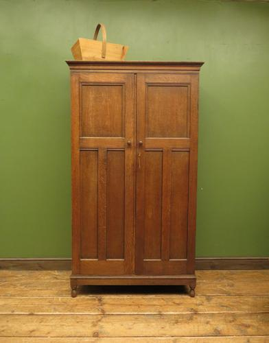 Antique Oak Housekeepers Cabinet Linen Cupboard with Shelves (1 of 17)