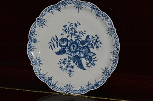18th Century - First Period - Worcester Blue & White Pine Cone Pattern Dish (1 of 8)