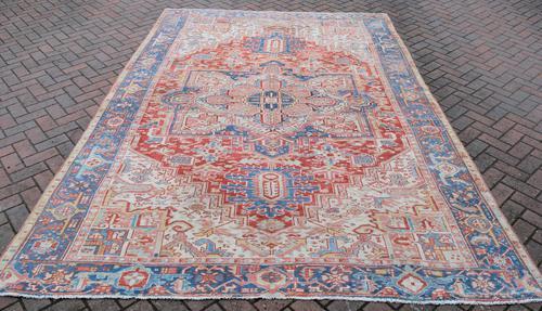Old Heriz Carpet 335x214cm (1 of 9)