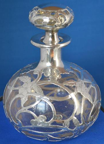 Art-Nouveau silver-overlaid clear-glass scent bottle & stopper (1 of 7)