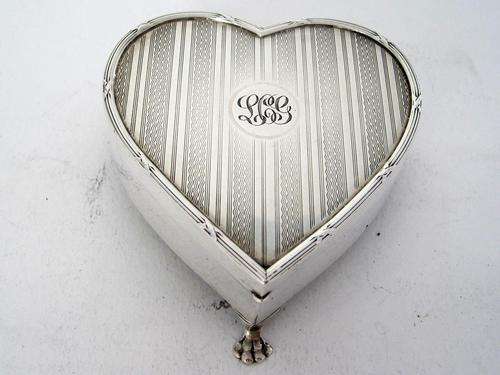 Silver Heart Shaped Jewellery Casket or Box with a Hinged Lid (1 of 7)