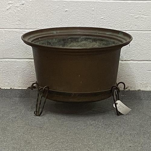 Antique Copper Cauldron (J1003A) (1 of 3)
