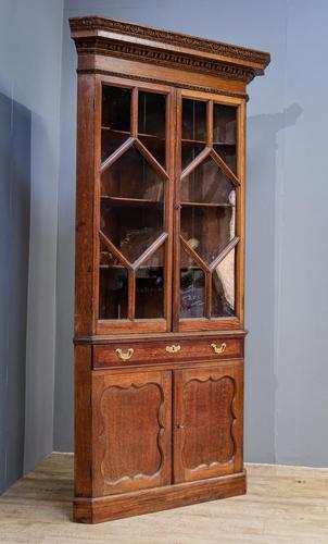 18th Century Oak & Mahogany Corner Cabinet (1 of 9)