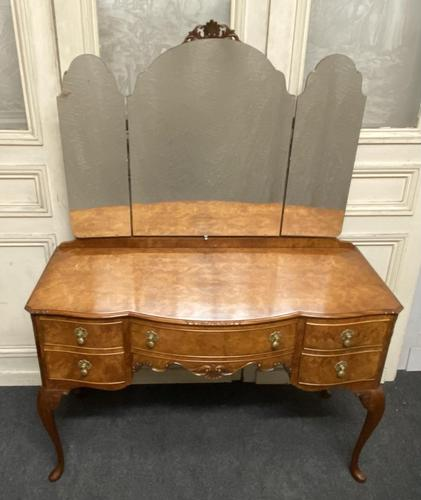 Quality Burr Walnut Dressing Table (1 of 20)