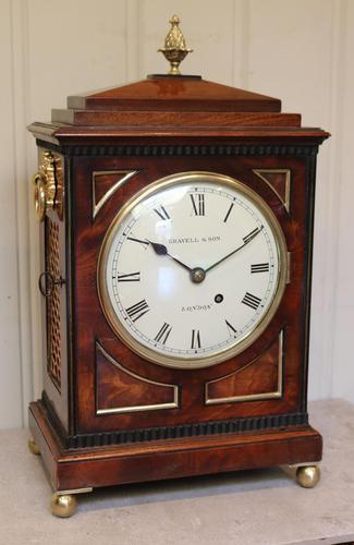 Small  Mahogany Chamfer Top Bracket Clock (1 of 10)