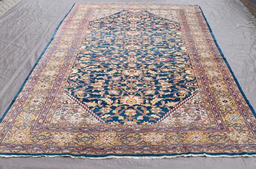 Fine antique Sultanabad carpet 365x263cm (1 of 5)