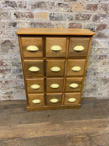Small Chest of Drawers (1 of 4)