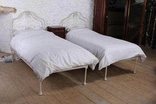 Pretty pair of single Victorian no end beds (1 of 12)
