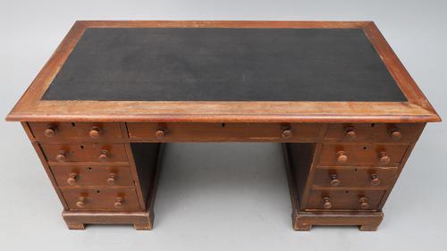 Victorian Oak Kneehole Desk (1 of 6)