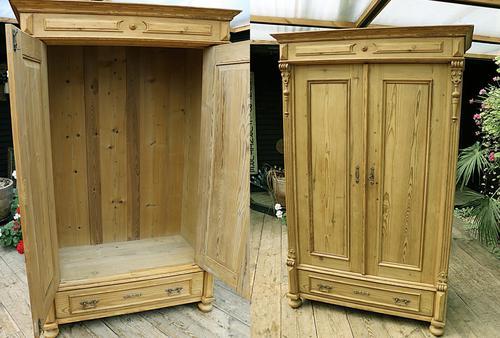 Fabulous Old Pine Cupboard / Double Wardrobe - Option of Shelves (1 of 11)