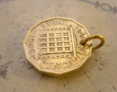 Vintage Pocket Watch Chain Fob 1966 Queen Elizabeth Threepenny 3d Coin Fob (1 of 7)