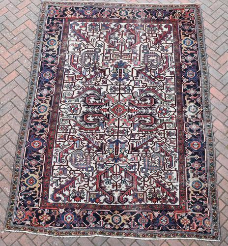 Old Heriz Carpet 296x212cm (1 of 8)