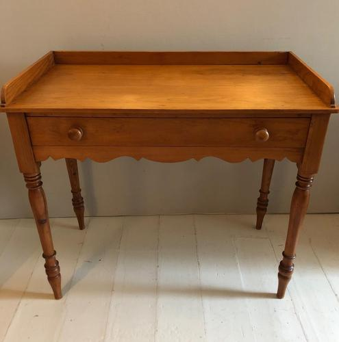 Pine Washstand With One Drawer (1 of 6)