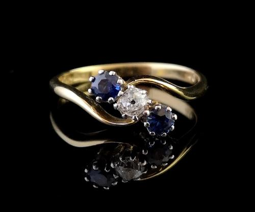 Vintage Art Deco Sapphire & Diamond Trilogy Ring (1 of 10)