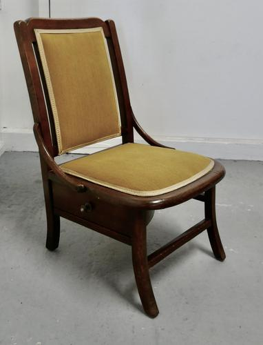 Charming Little Chair with Knitting Wool Drawer (1 of 7)