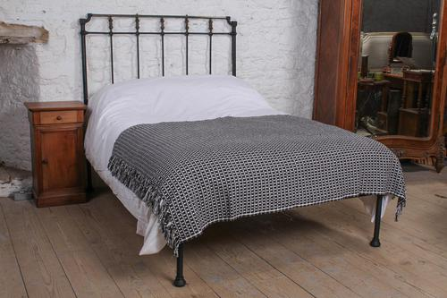 Nice Individual Spanish no End Double Bed (1 of 7)