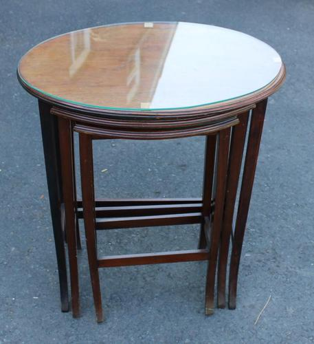 1960s Nest 3 Oval Mahogany Tables with Glass Tops (1 of 4)