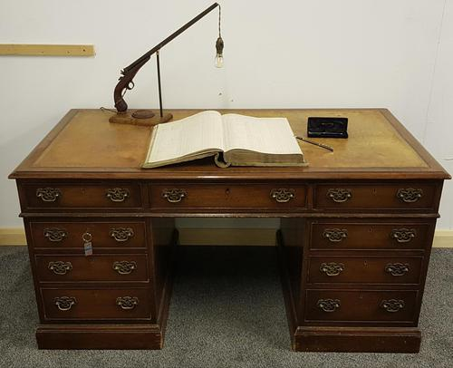Late 19th / Early 20th Century Pedestal Desk with Leather Top (1 of 7)