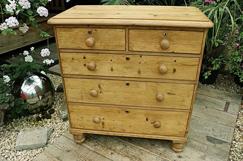 Gorgeous Old Pine Chest of Drawers (1 of 8)