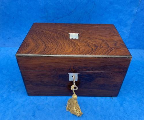 Victorian Rosewood Box with Mother of Pearl Inlay (1 of 11)