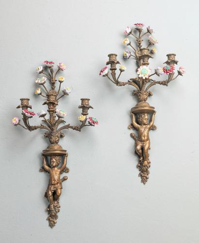 Well Formed Pair of Mid 19th Century Bronze Wall Lights (1 of 7)