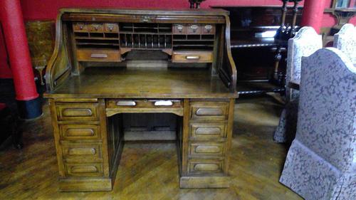 Oak Roll-top Desk (1 of 6)