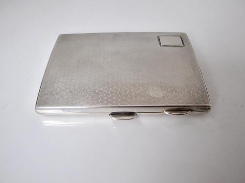 Attractive Ladies' Silver Cigarette Case W.T. Toghill & Co. Birmingham 1930 (1 of 8)