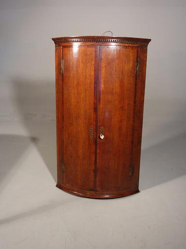 A Good Queen Anne Period Oak Corner Cupboard (1 of 3)