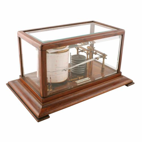 Edwardian Oak Cased Barograph (1 of 8)