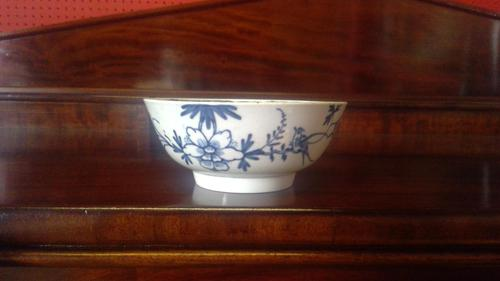 Worcester Porcelain Bowl (1 of 5)
