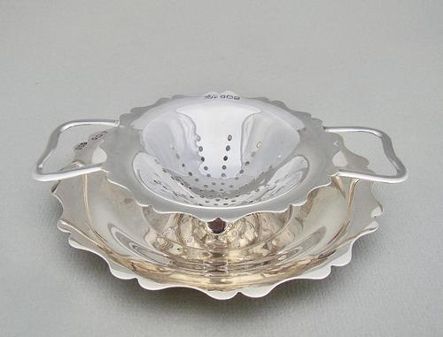 George V Silver Tea Strainer & Stand by E. J. Houlston, Birmingham 1920 (1 of 7)