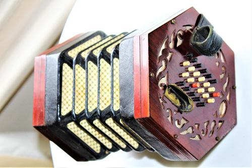 Lachenal Mahogany concertina in the original carrier case which is in very good condition (1 of 13)