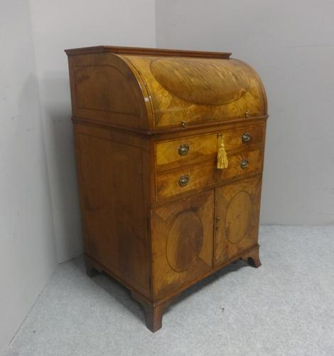 Wonderful Satinwood Bureau of Small Proportions c.1860 (1 of 14)