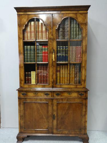 Outstanding Walnut Bookcase C.1910 (1 of 18)