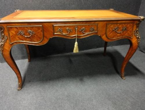 Excellent Quality Tulipwood Bureau Plat, Desk c.1900 (1 of 1)