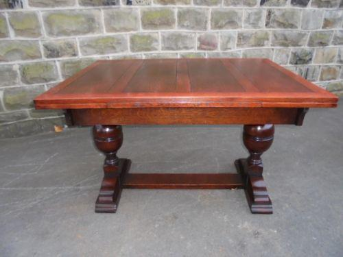 Oak Extending Dining Table / Kitchen Table c.1920 (1 of 1)