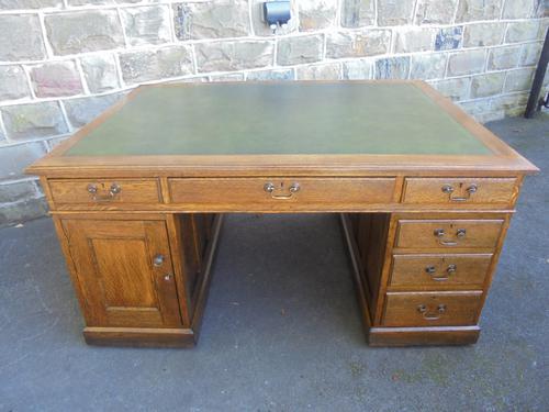 Good Antique Oak Partners Writing Desk c.1900 (1 of 1)
