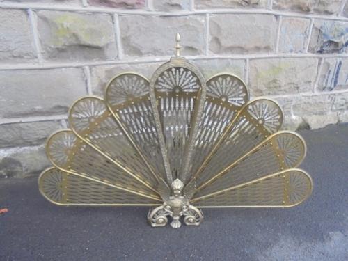 Ornate Brass Peacock Fan Design Fire Guard c.1920 (1 of 1)