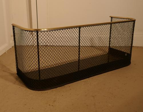 Small Victorian Nursery Fire Guard or Club Fender (1 of 1)