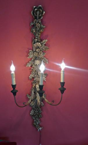 Large Gilt Carved Triple Wall Light (1 of 1)